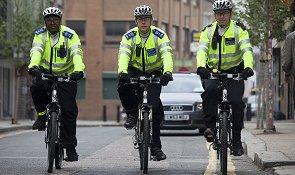 Полицейские на велосипедах Германия