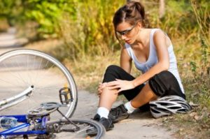 Боль в коленном суставе при езде на велосипеде.
