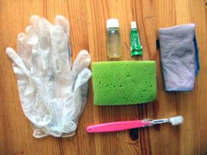 Аптечка для ремонта и ухода за велосипедом. Материалы для чистки, смазки и мойки.