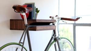 Полка для подвешивания велосипеда за верхнюю трубу.