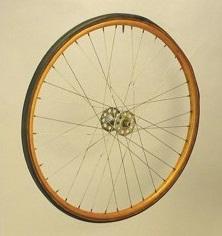 Деревянные обода для велосипеда.