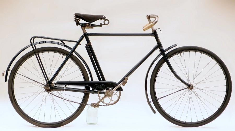 Мужской дорожный велосипед МД-1.