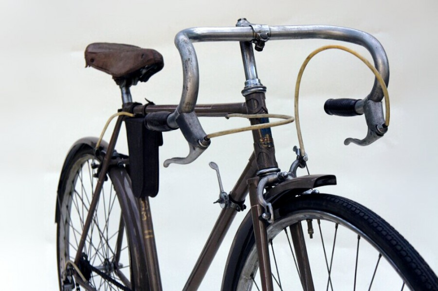 """Легкодорожный велосипед В-34 """"Спутник""""."""