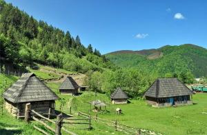 Экскурсионный пеший поход по Карпатам – Синевир и Колочава