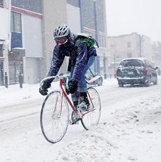 Как при езде на велосипеде бороться с холодом?