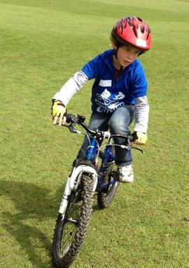 Как родителям помочь ребенку освоить велосипед
