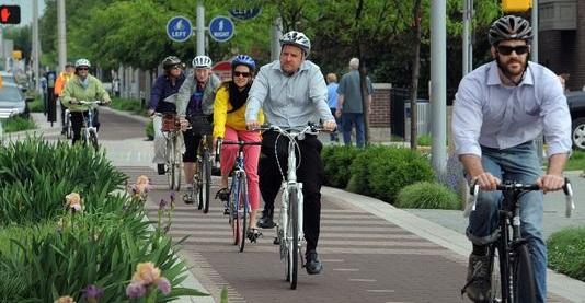 Особенности езды на велосипеде в условиях города