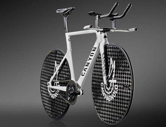 Новый велосипед Canyon Speedmax для рекорда в часовой гонке