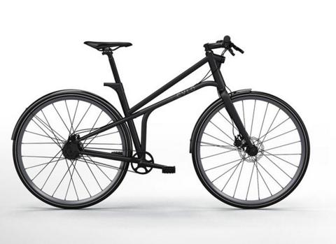 Велосипед для города у которого есть стоп сигнал CYLO 1