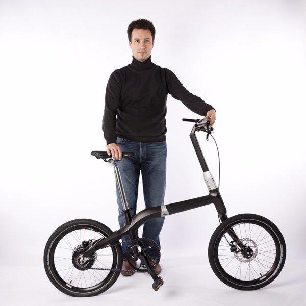 Велосипед складывается при помощи всего одной кнопки