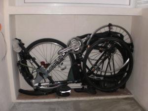Хранение велосипеда на балконе, гараж для велосипеда