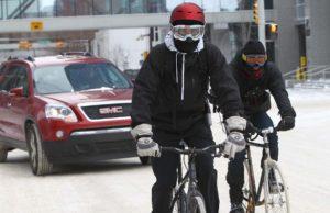 Экипировка для езды зимой на велосипеде.