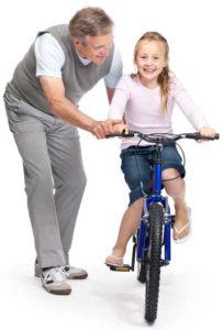 Учим ребёнка кататься на велосипеде.